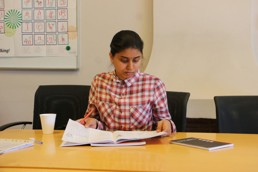 Catch up: Anusha recapping on the previous days work before class starts.